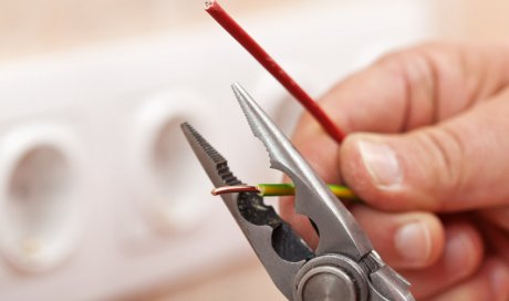 Rénovation électrique de bureau et local professionnel par électricien à Lyon et ses environs